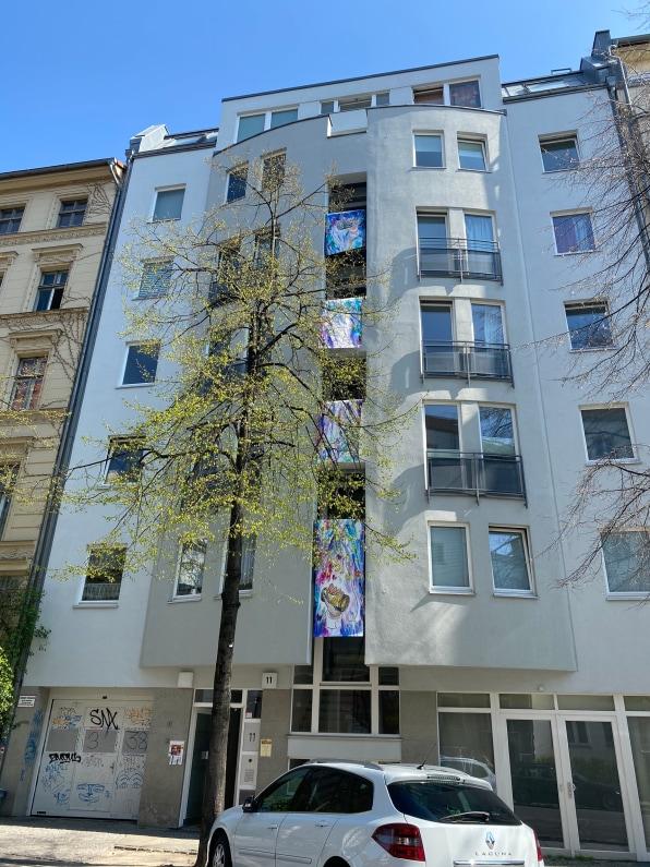 Balconies, Life, Art, Pandemic et Proximity
